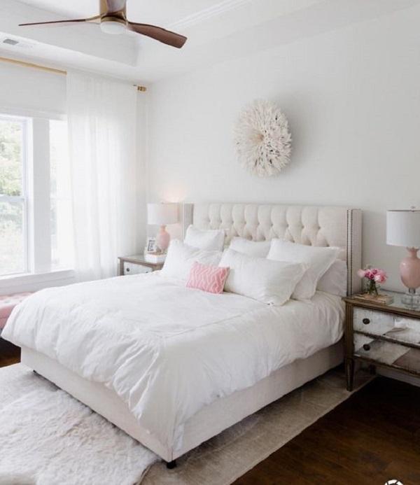 Decoração clean para quarto simples de casal