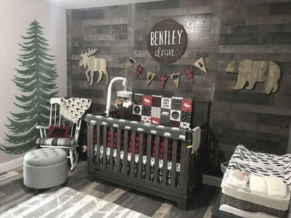 Decoração simples para quarto de bebê com tema de floresta