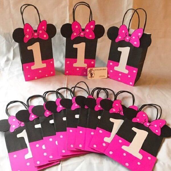 Sacolinha para lembrancinha com o tema da festa da Minnie rosa