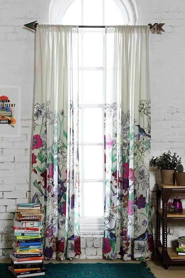 Modelos de cortinas com estampa de flores