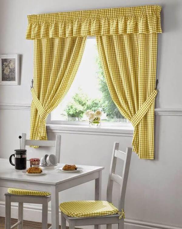 Modelos de cortinas na cor amarela