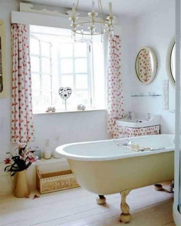 Modelos de cortinas para banheiros em tecido estampado