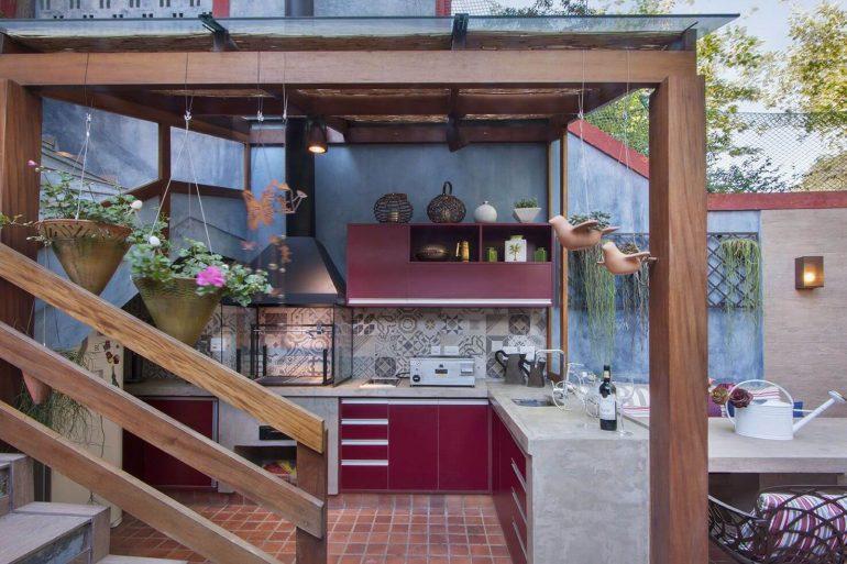 Monte uma edícula com churrasqueira charmosa na sua área de lazer pequena