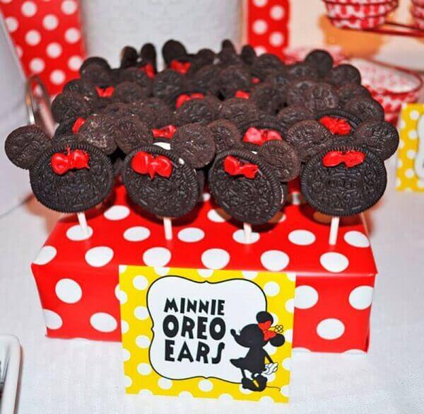 Pirulitos de chocolate em formato de Minnie