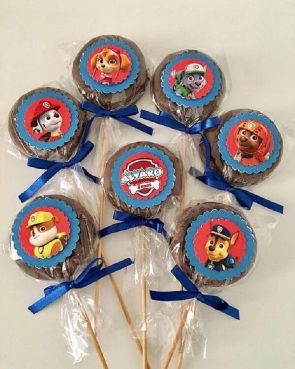 Pirulitos de chocolate para a criançada