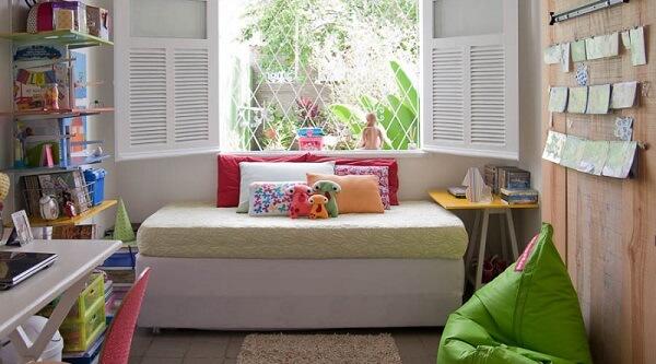 Puff para quarto verde trás cor ao ambiente