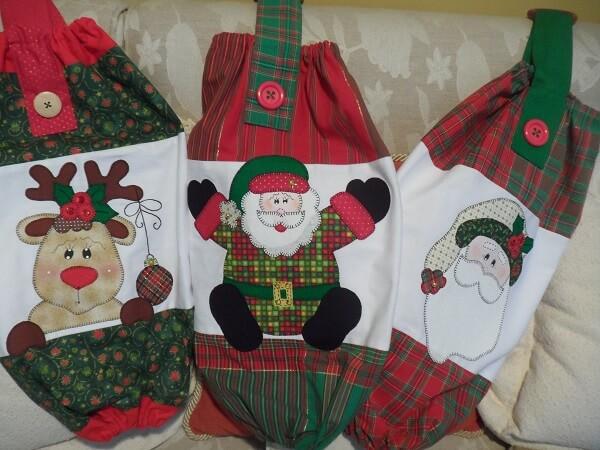 Puxa saco de tecido com decoração de natal