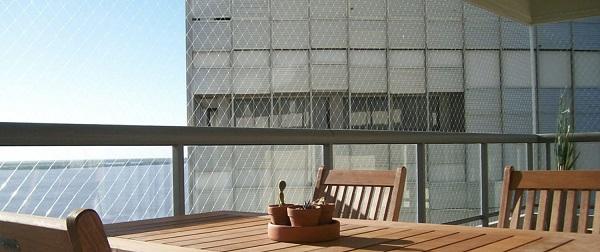 Tela de proteção em varanda de apartamento