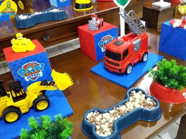 Brinquedos para a mesa de decoração de festa da patrulha canina