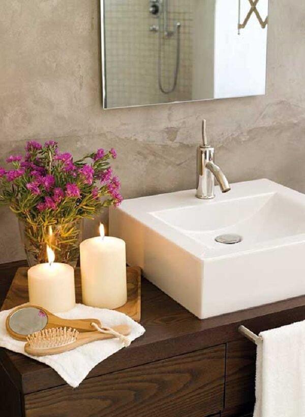 Utilize velas como enfeites para banheiro