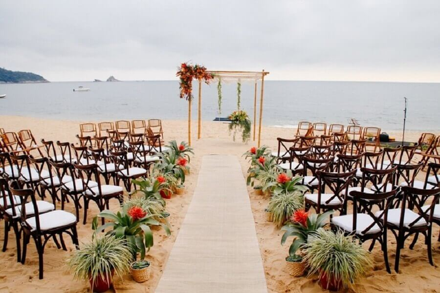 altar de bambu para decoração de casamento ao ar livre Foto Inesquecíveis Casamentos