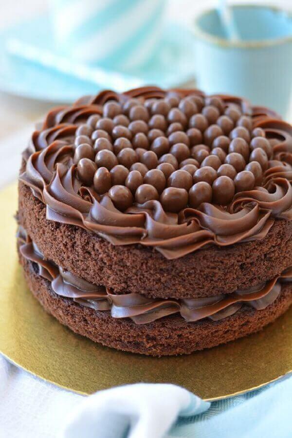 bolo de chocolate decorado simples Foto Pinterest