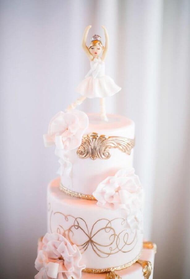 bolo personalizado com detalhes em dourado para festa bailarina Foto Pinosy