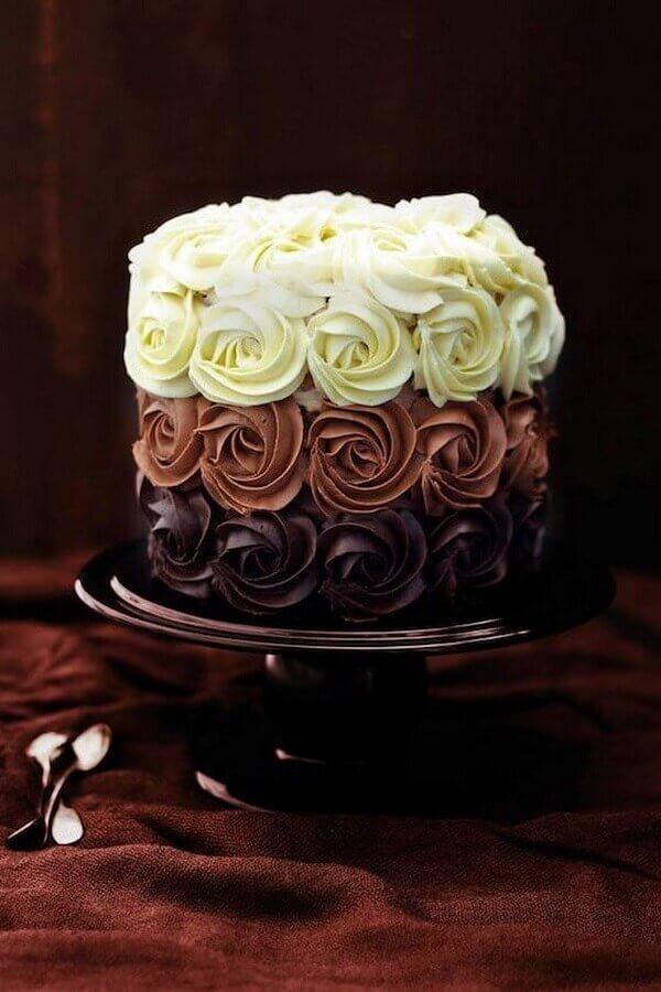 bolos decorados com chantilly três cores Foto Alison Coldridge