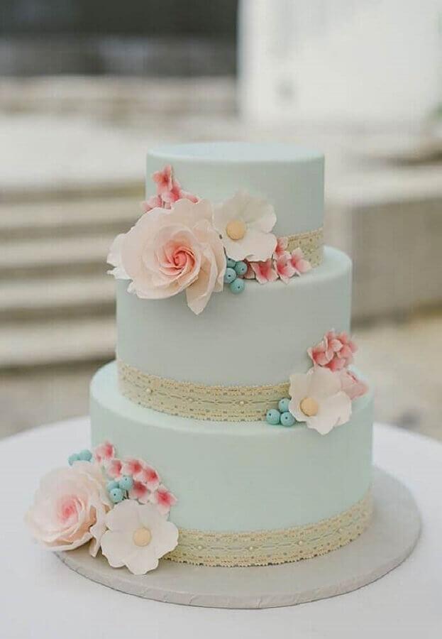 bolos decorados com pasta americana flores e rendas Foto Bem Vinda Noiva