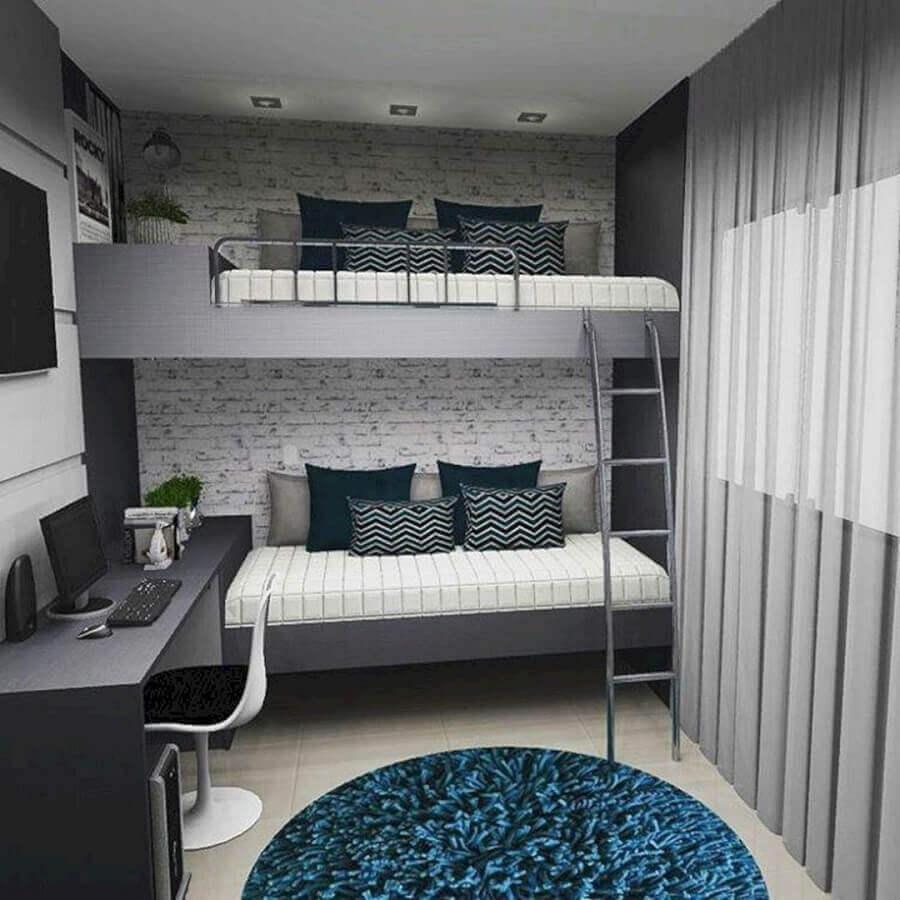cama suspensa para quarto cinza e branco decorado com papel de parede de tijolinho branco Foto The Holk