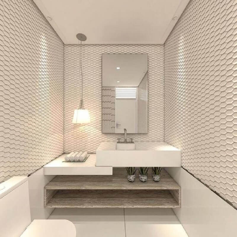decoração clean com revestimento 3d e espelho para lavabo todo branco Foto Pinosy