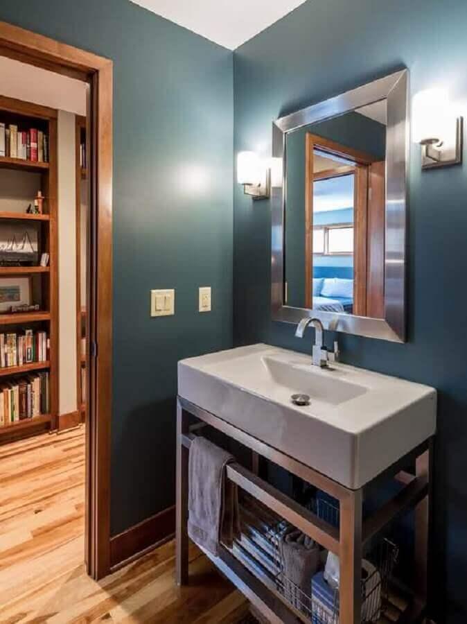 decoração com espelho para lavabo com moldura prata Foto Vivian Design