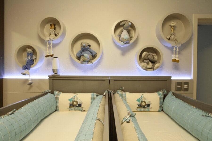 decoração com nichos redondos para quarto de bebê gêmeos azul e cinza Foto Larissa Rodrigues