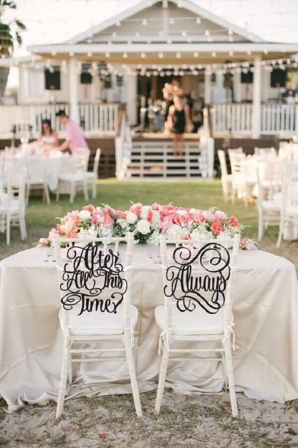 decoração de casamento ao ar livre na fazenda Foto Etsy