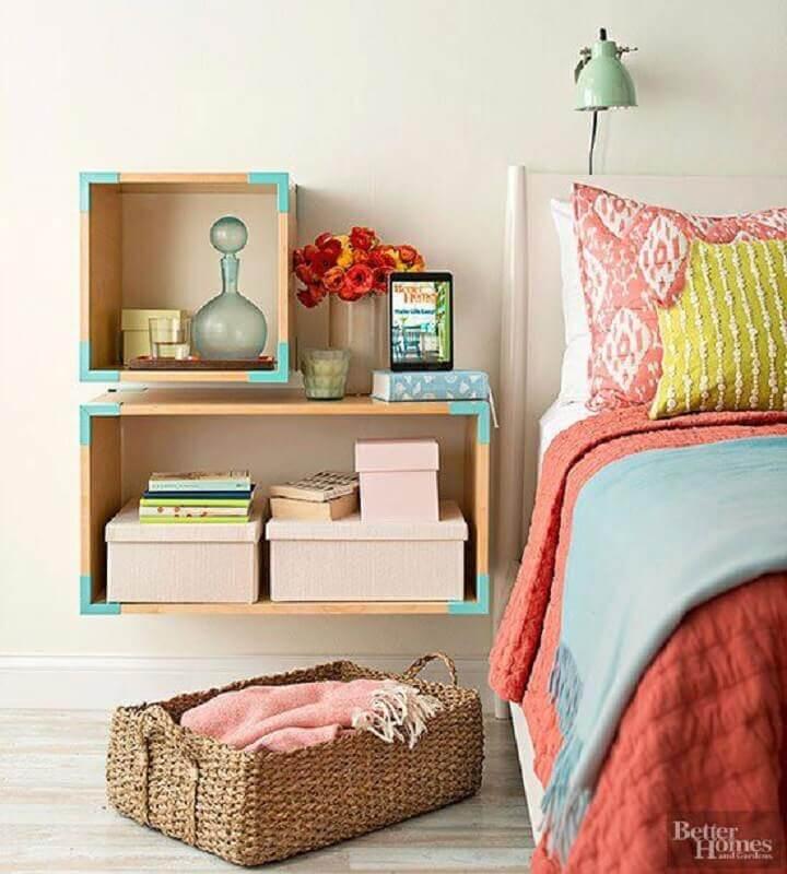 decoração de quarto com detalhes em verde água Foto Better Homes
