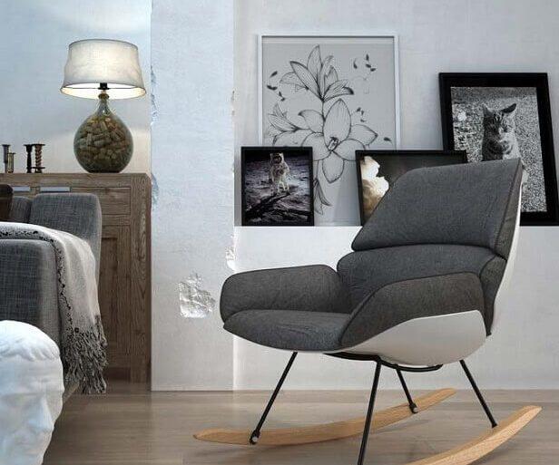 decoração moderna com cadeira de balanço cinza  Foto Pinosy