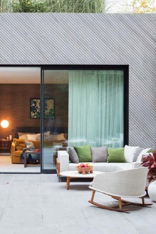 decoração moderna com cadeira de balanço para varanda ampla Foto Pinterest