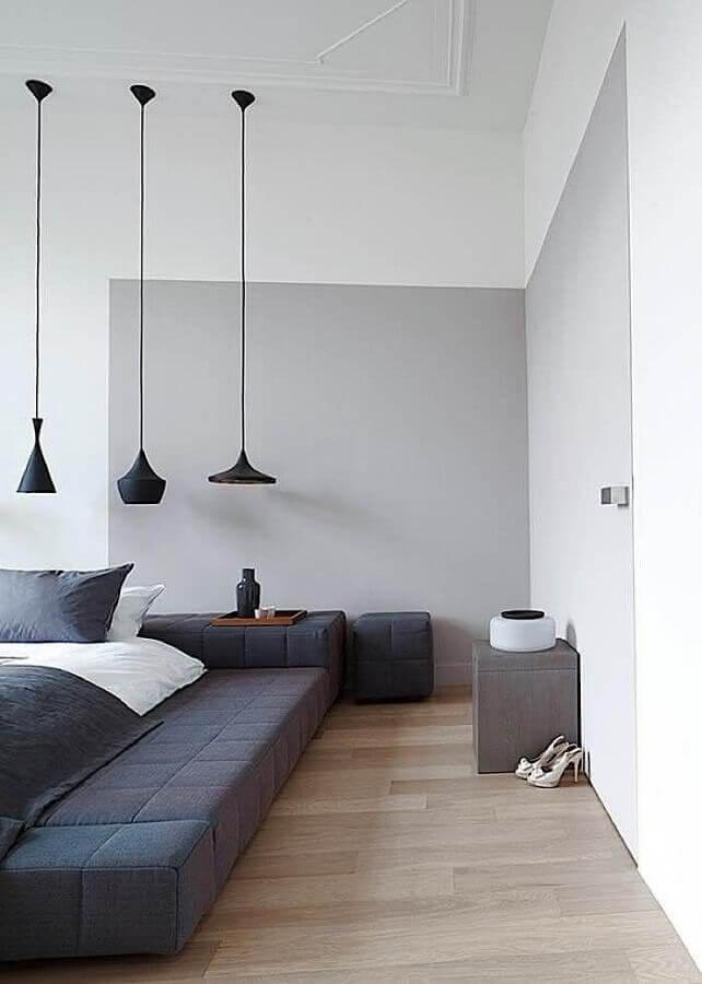 decoração moderna para quarto cinza e branco com várias luminárias pendentes diferentes Foto Pinterest