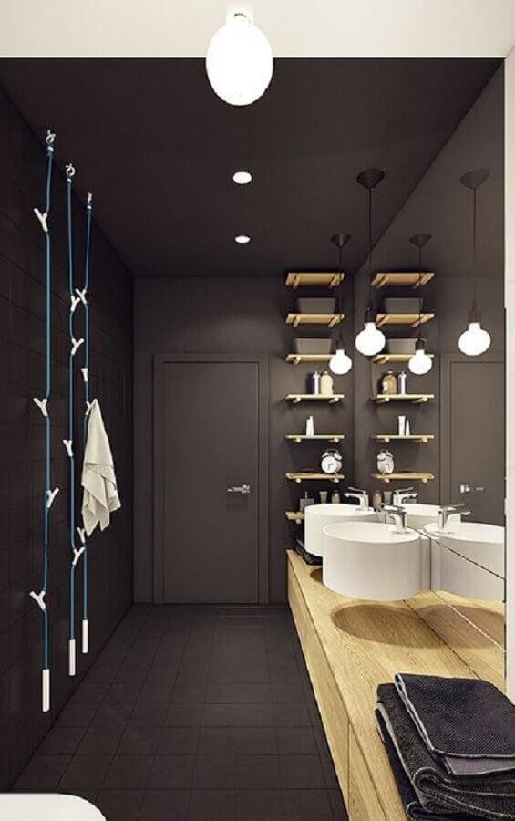 decoração para banheiro masculino todo cinza com bancada de madeira Foto Neu dekoration stile