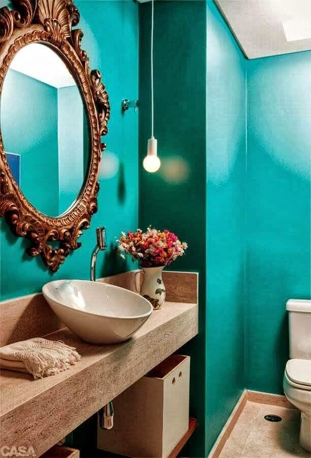 decoração para banheiro verde água com espelho provençal Foto Varejão das Tintas