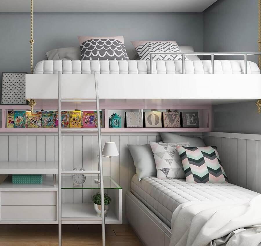 decoração quarto de gêmeos planejado com cama suspensa e nicho embutido Foto Webcomunica