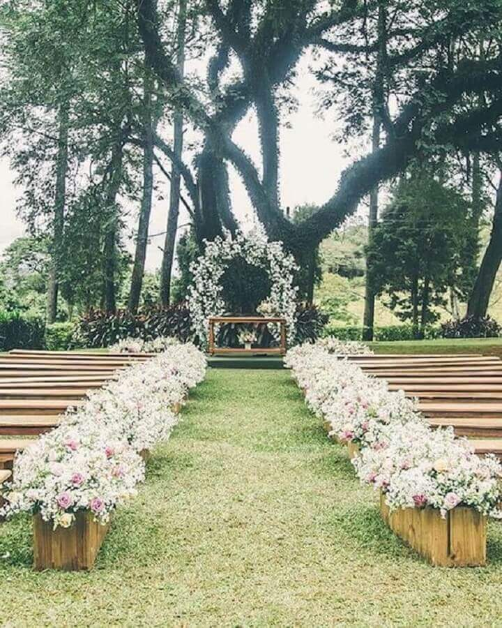 decoração rústica para casamento ao ar livre Foto Pinterest