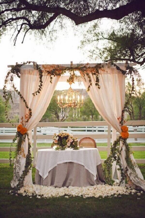 decoração romântica para casamento ao ar livre Foto Etsy