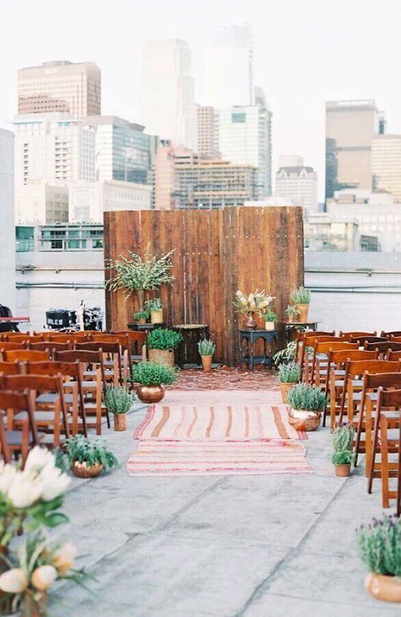 decoração urbana para casamento ao ar livre Foto Style me Pretty