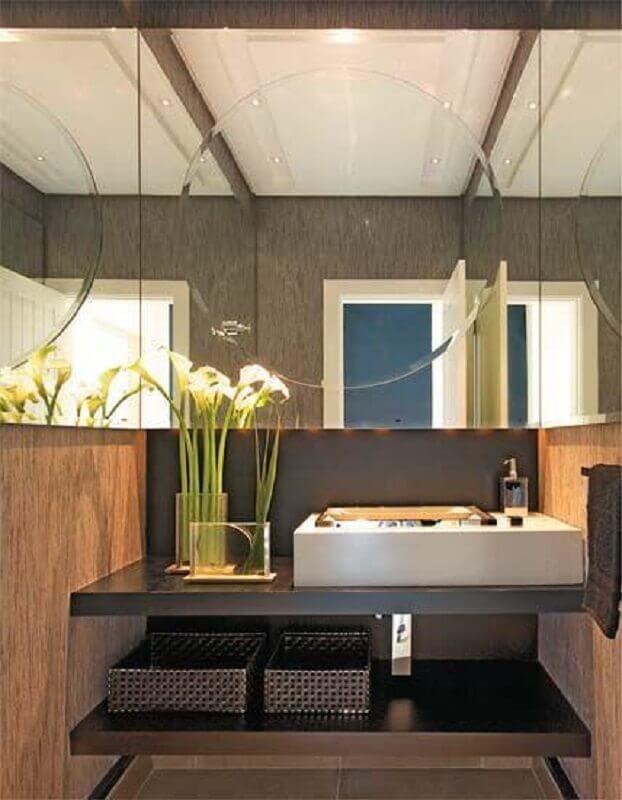 espelho para lavabo com decoração moderna Foto Design de Interiores