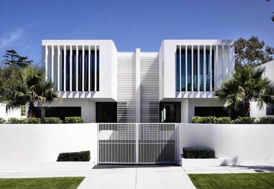 fachada de casa geminada moderna Foto Hardwood flooring