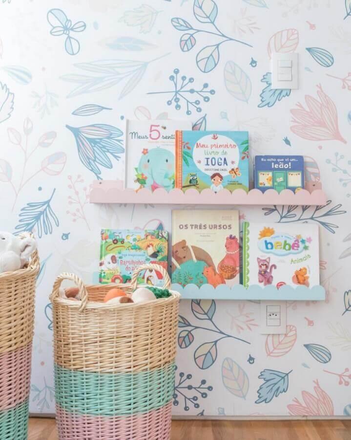 modelo colorido e delicado de prateleira para quarto de bebê Foto Zozu