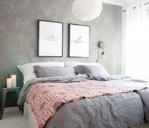quarto cinza e rosa decorado com parede de cimento queimado Foto Pinterest