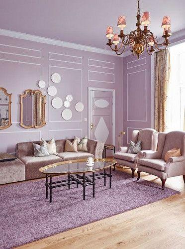 Sala clássica na cor lilás