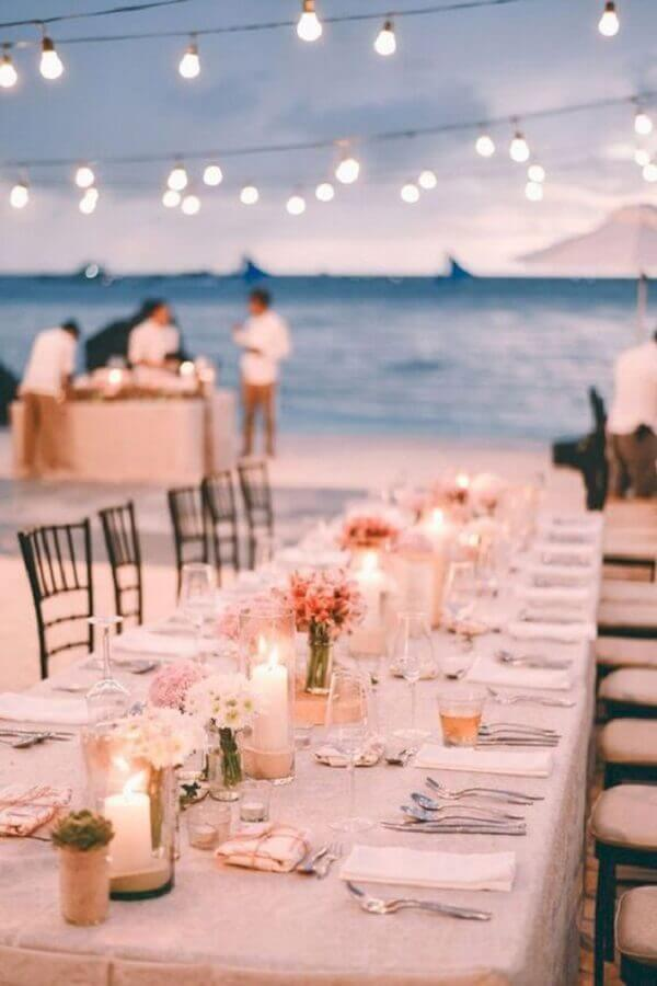 candles and light pole for outdoor wedding parties at night Photo Anxious Bride