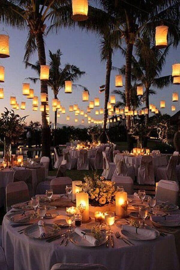 velas para decoração de casamento ao ar livre a noite Foto Muito Chique