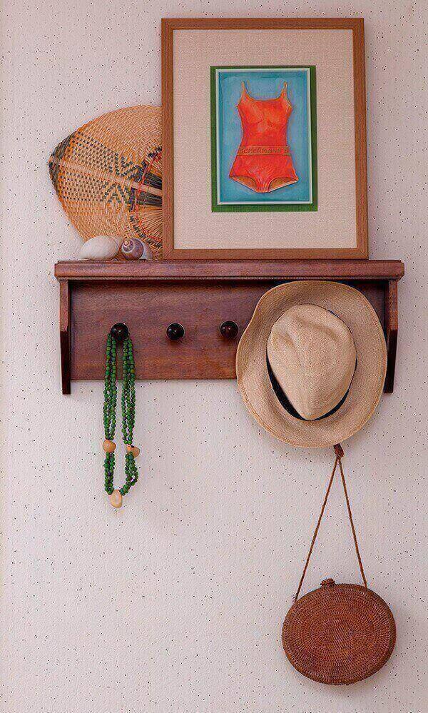 Os cabideiros podem auxiliar no apoio de itens decorativos
