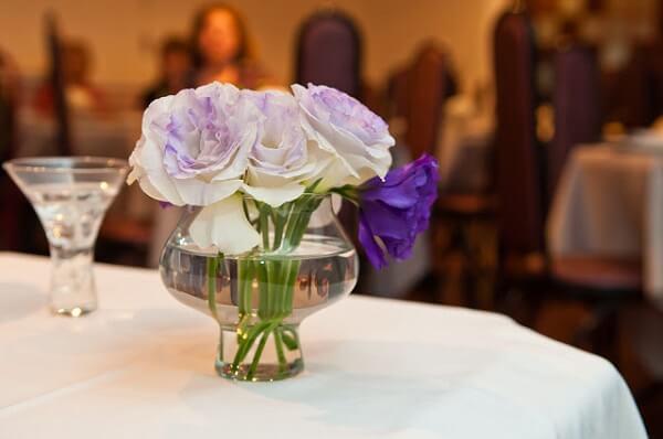 Bodas de prata arranjo de flores para mesa