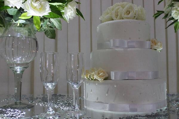 Bodas de prata bolo e taças