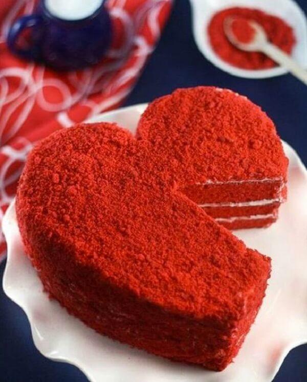 Bolo especial para o dia dos namorados. Fonte: Amando Cozinhar