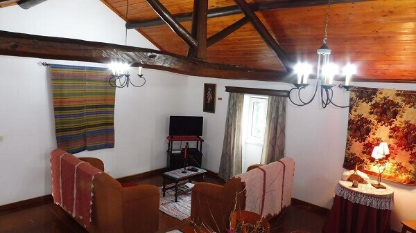 Casa rústica simples e charmosa