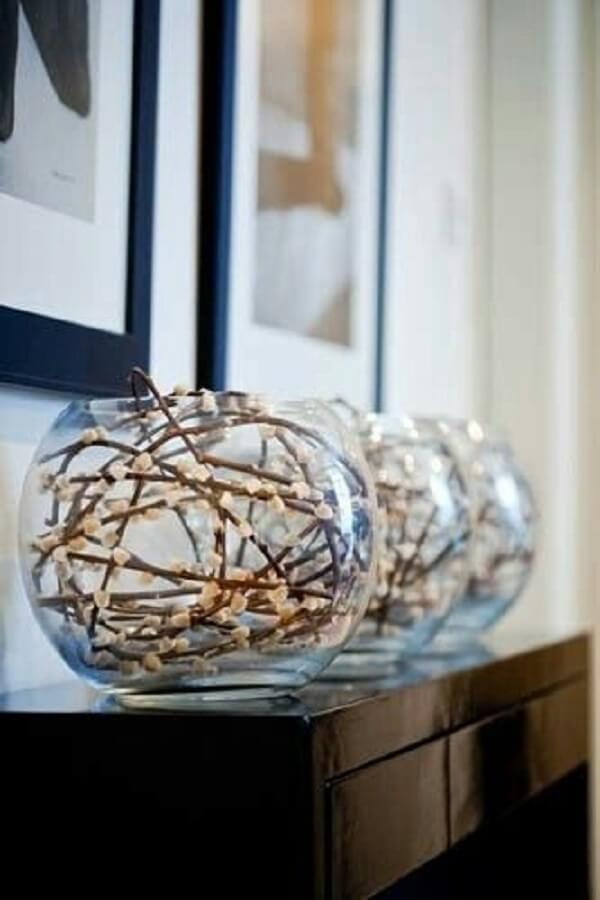 Composição de vaso com plantas artificiais para decoração da sala