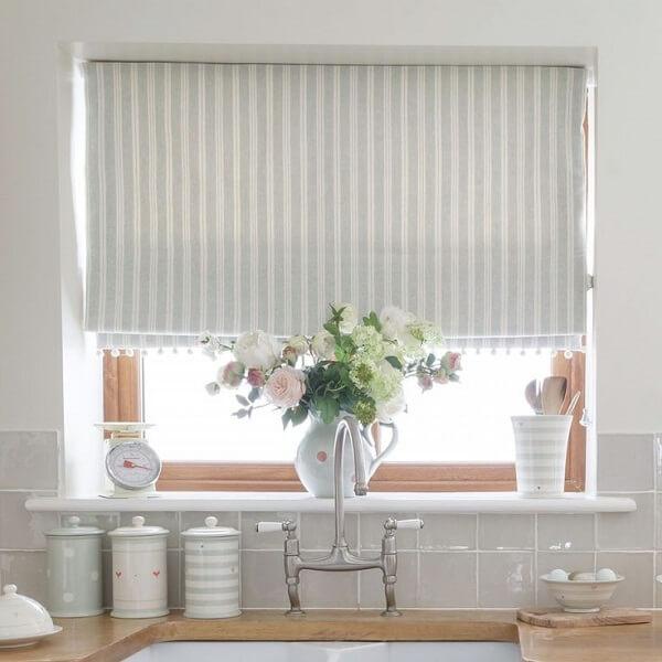 Cortina para cozinha branca