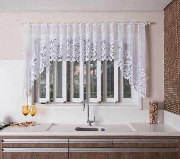 Cortina para cozinha deixa o visual do ambiente bastante atrativo
