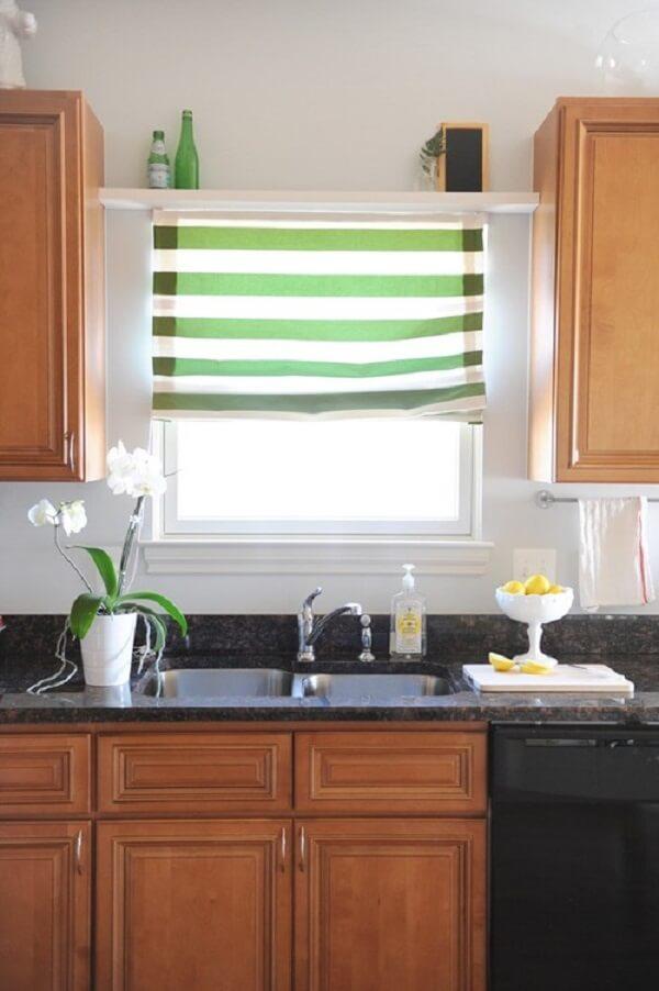 Cortina para cozinha em janela